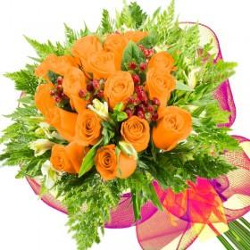 Caja de Rosas Color Mix Rojas Blancas 24 Rosas + Globo y Peluche