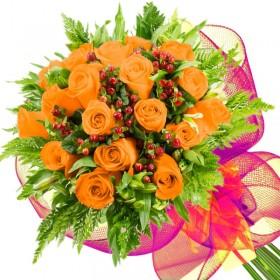 Caja de Rosas Color Mix Rosado Blanco 12 Rosas + Globo y Peluche